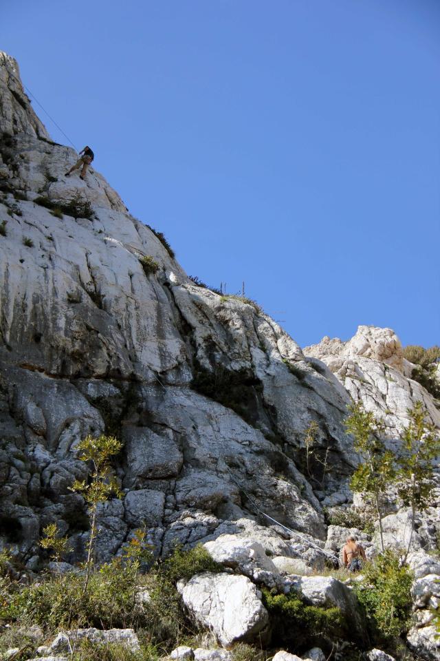 plezanje-krk-belove-stene-plezalci