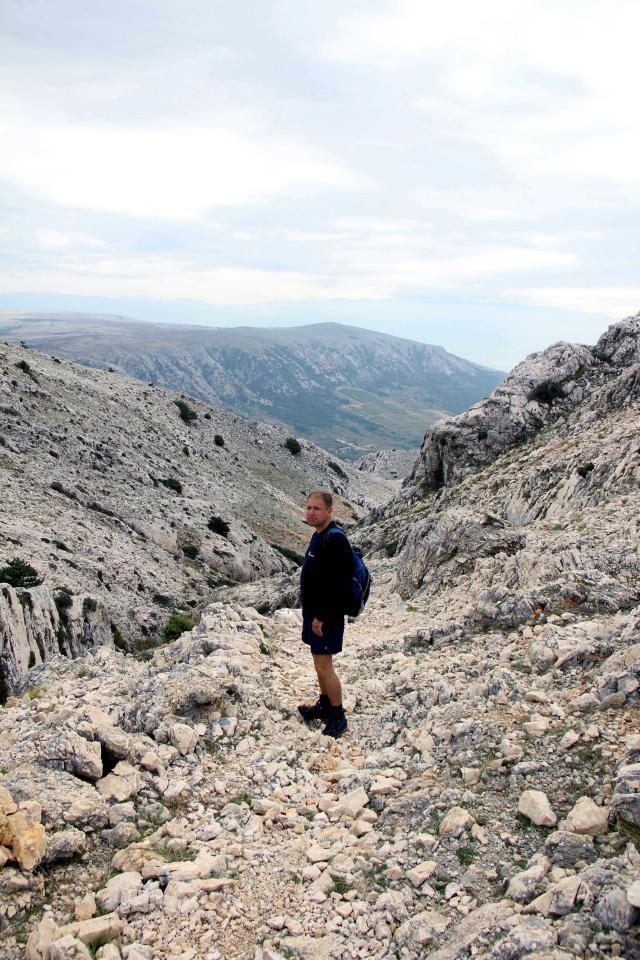 Obzova otok Krk skalnato pobocje