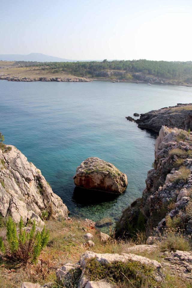 razgled s klifov kjer so ostanki bizantinske utrdbe