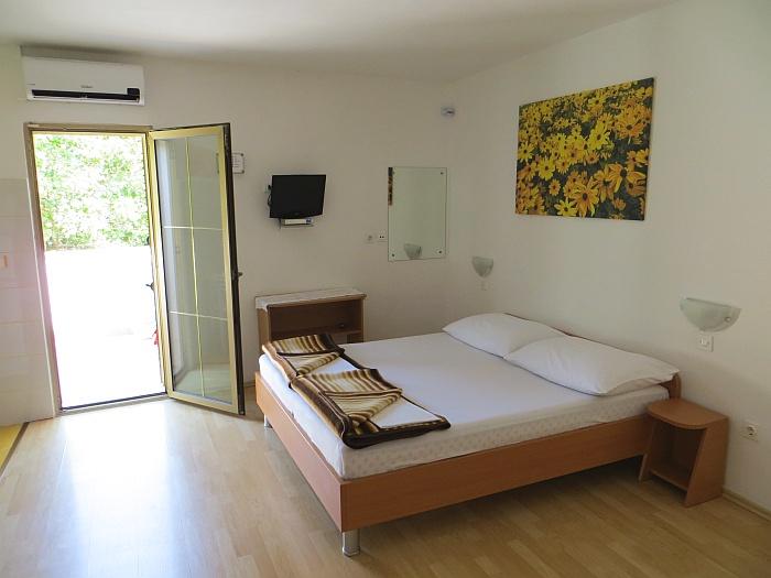 Apartmaji Dujmović Baška - otok Krk